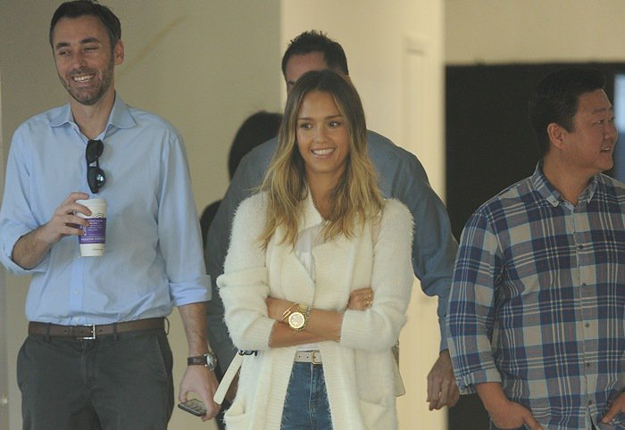 Jessica Alba meets associates to look at retail space in Los Angeles on February 12, 2015