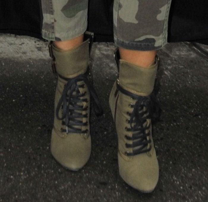 Kim-Kardashian-Giuseppe-Zanotti-Balmain-Boots-1