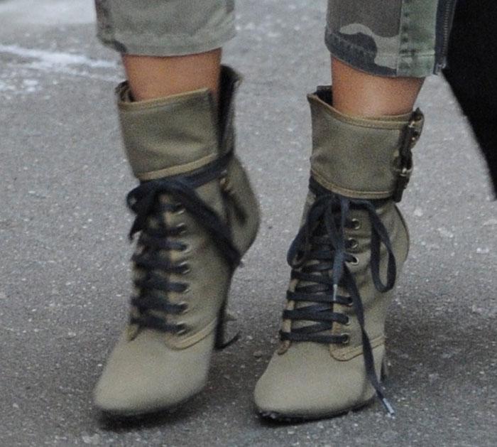 Kim-Kardashian-Giuseppe-Zanotti-Balmain-Boots