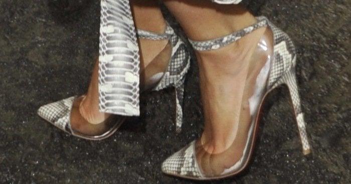 Kim Kardashian's feet in Bis Un Bout pumps from Christian Louboutin