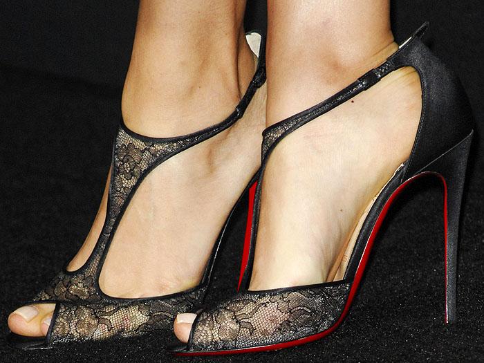 Mila Kunis' feet in Christian Louboutin Tiny sandals