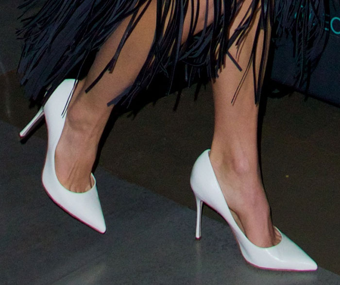 Nikki Reed's hot feet in Sergio Rossi Godiva Jasmine pumps