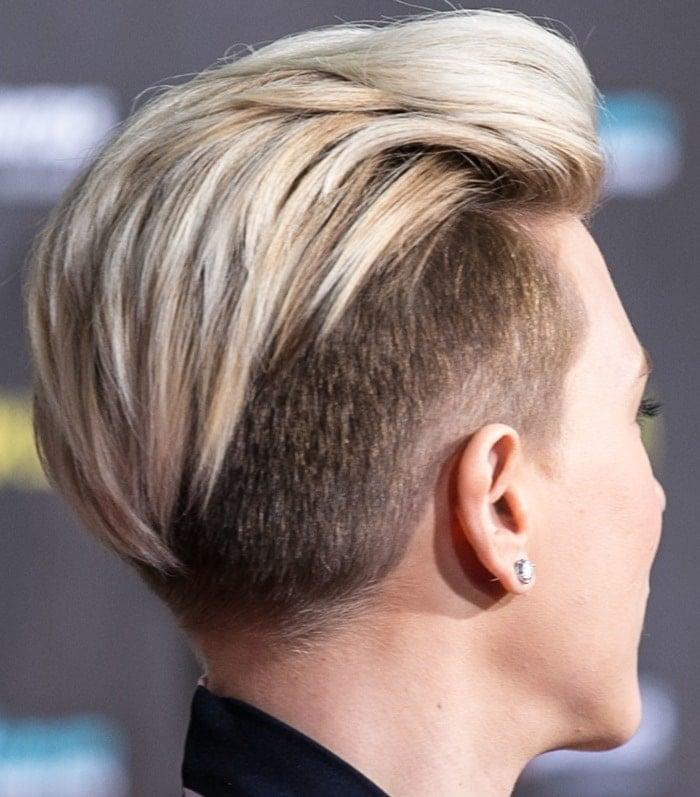 Scarlett Johansson's layered pixie crop hairstyle