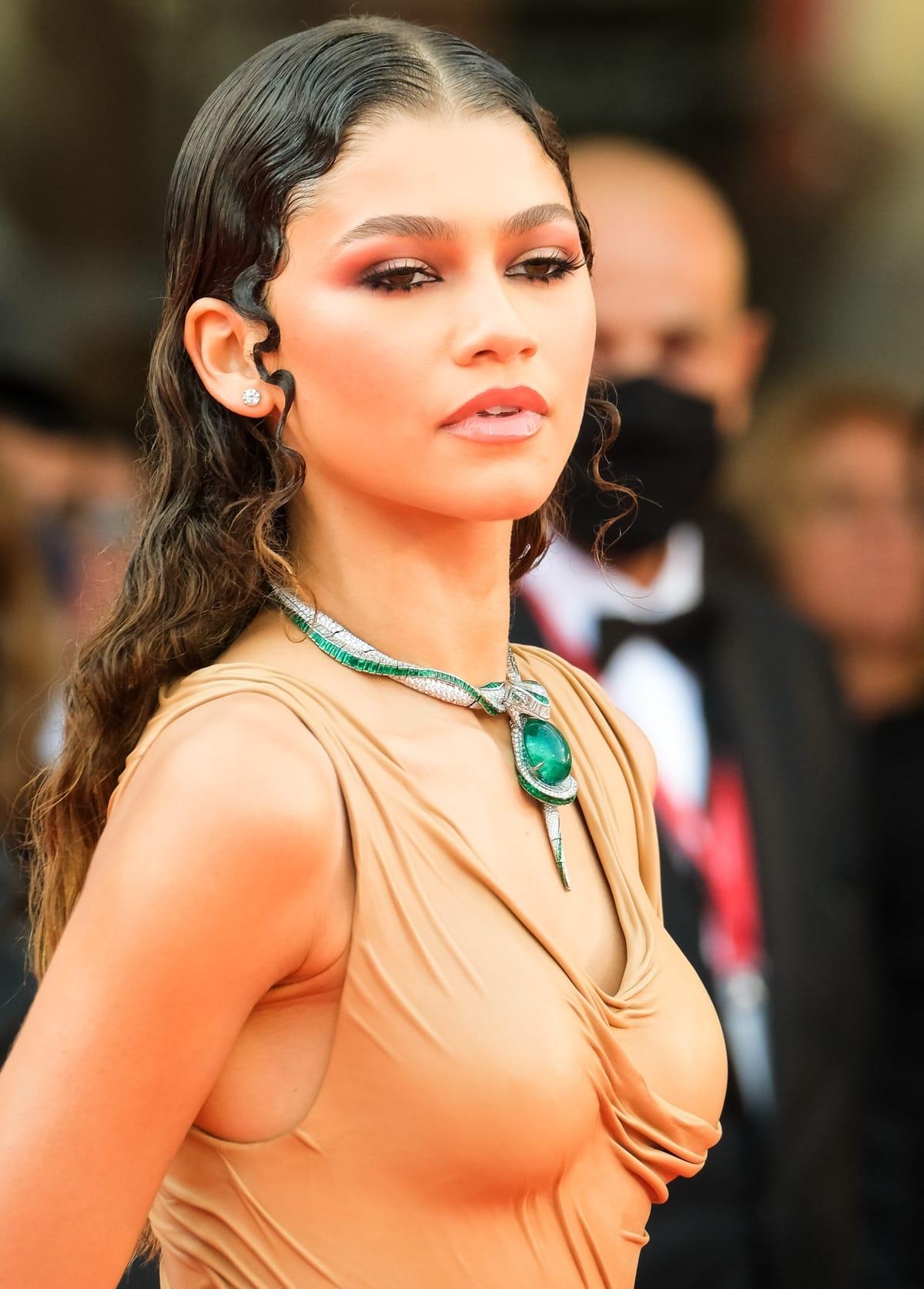 Zendaya's 93.83-carat Hypnotic Emerald necklace by Bulgari took 1,800 hours to complete