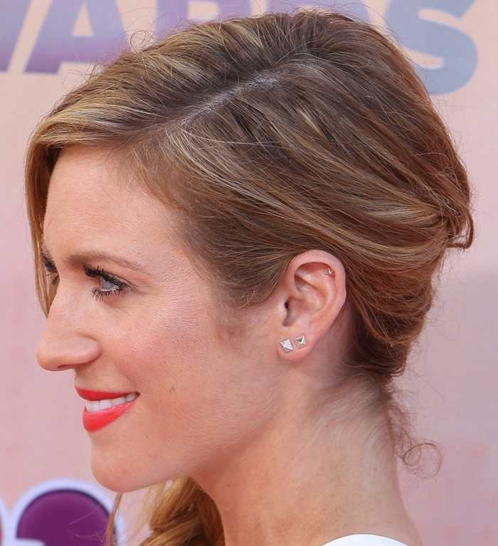 Brittany Snow's Liv Haley earrings at the 2015 iHeartRadio Music Awards
