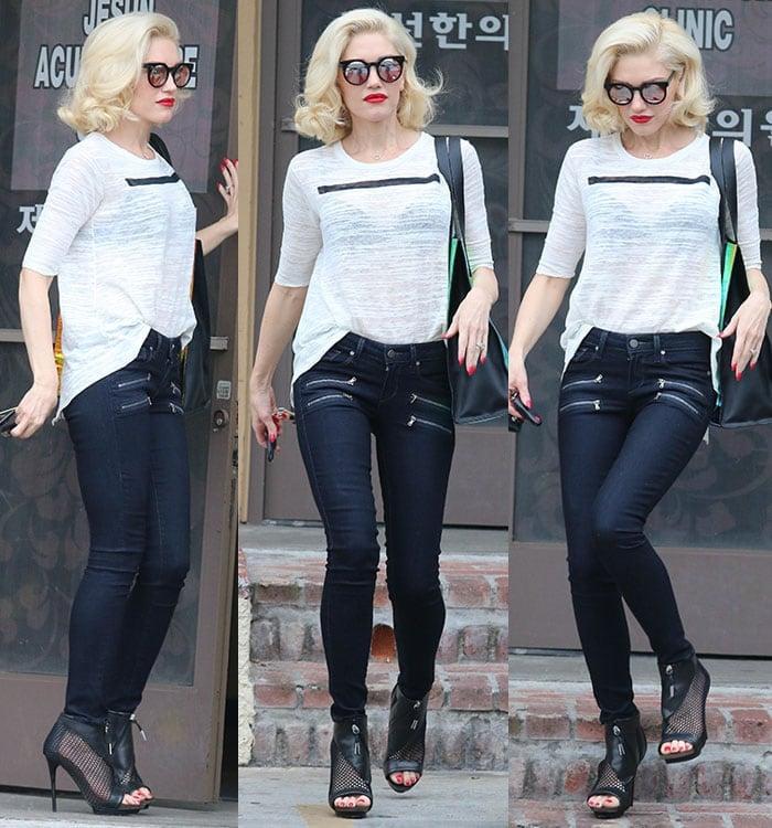Gwen Stefani's blonde hair styled like Marilyn Monroe's iconic curls