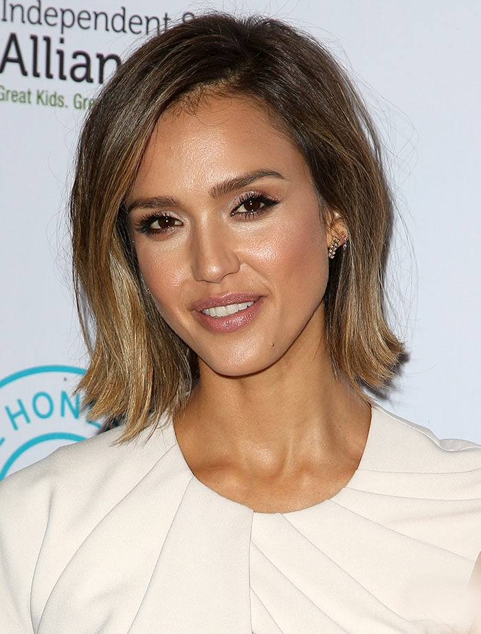 Jessica Alba with short hair at The Independent School Alliance for Minority Affairs Impact Awards Gala