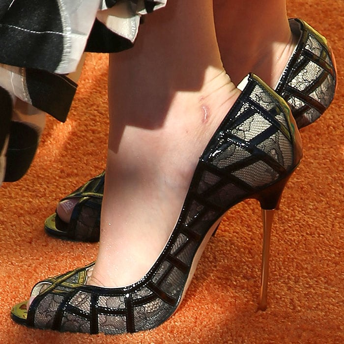 Kaley Cuoco Brian Atwood Anise pumps
