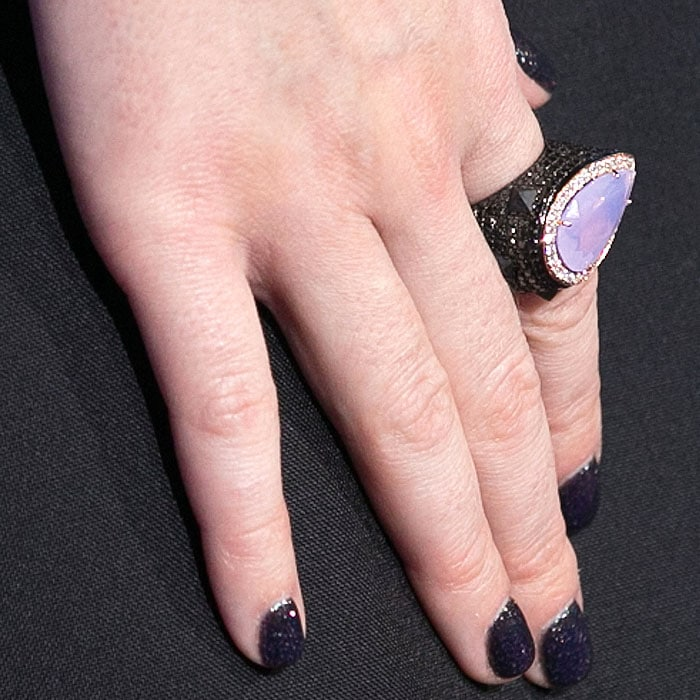 Katy Perry's faceted lilac stone ring and sparkly dark purple nails