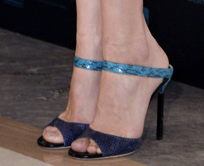 Olga Kurylenko showing off her feet in Jimmy Choo heels