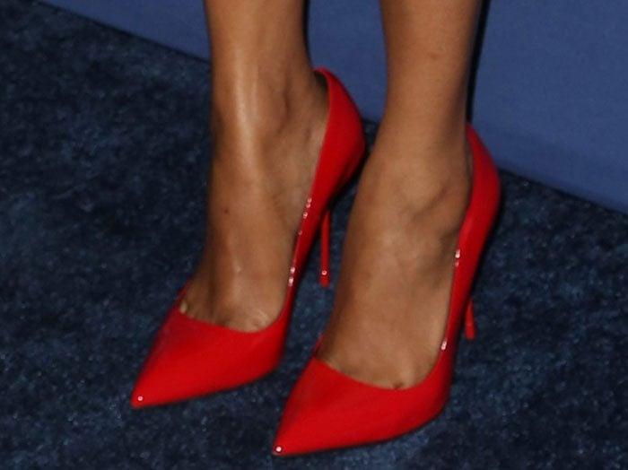 Zoe Saldana's hot feet in red Kurt Geiger pumps