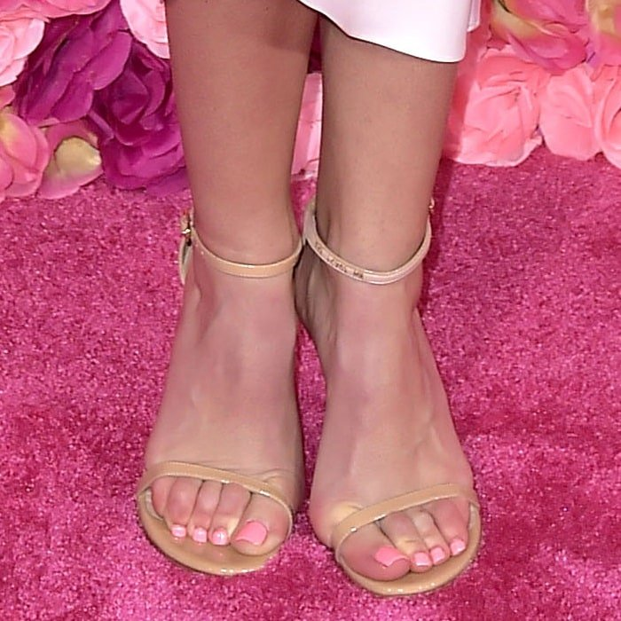 Anna Camp's pretty feet in barely-there sandals