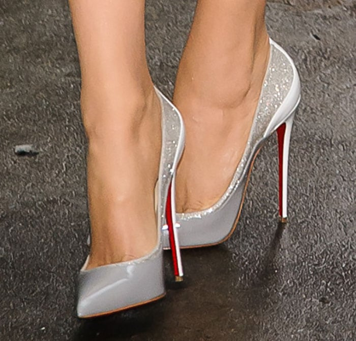 Blake-Lively-in-Christian-Louboutin-Tucsick-Pumps