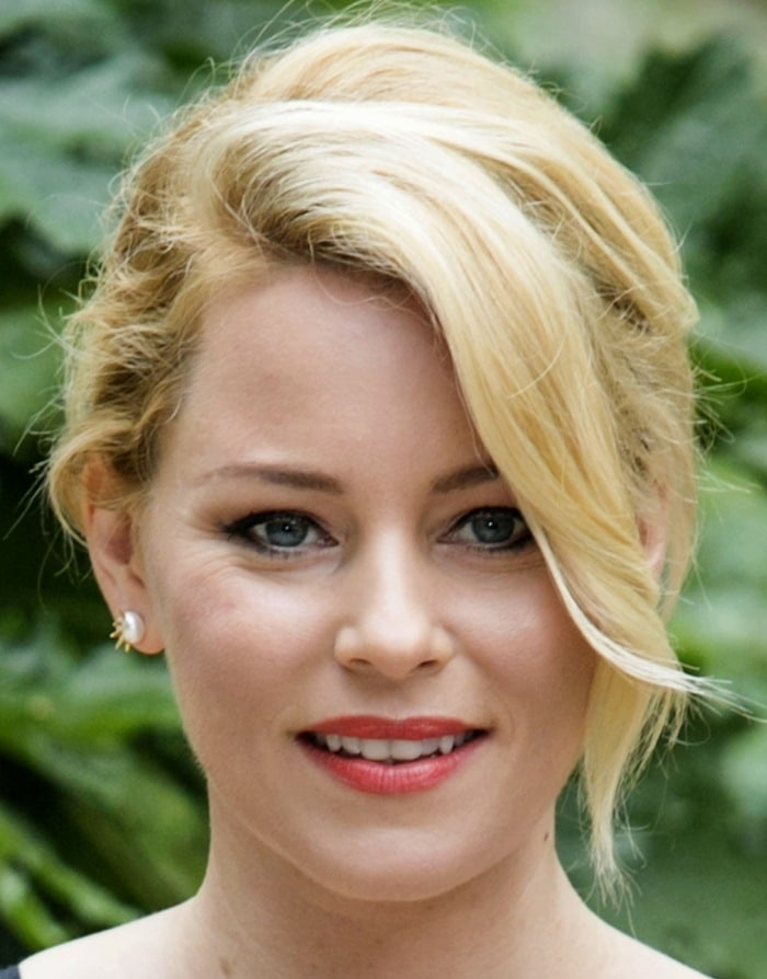 "Elizabeth Banks attends a photocall for ""Pitch Perfect 2″ at Hotel de Russie in Rome, Italy on April 27, 2015"