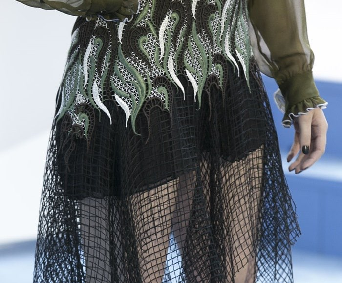 Hailee Steinfeld's wave-embroidered netted fabric skirt