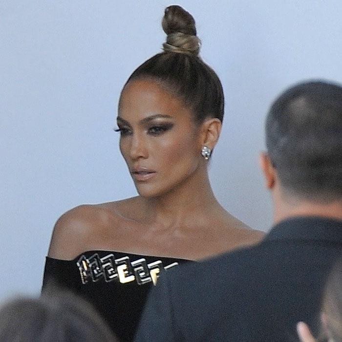 Jennifer Lopez flashing her famous fierce face