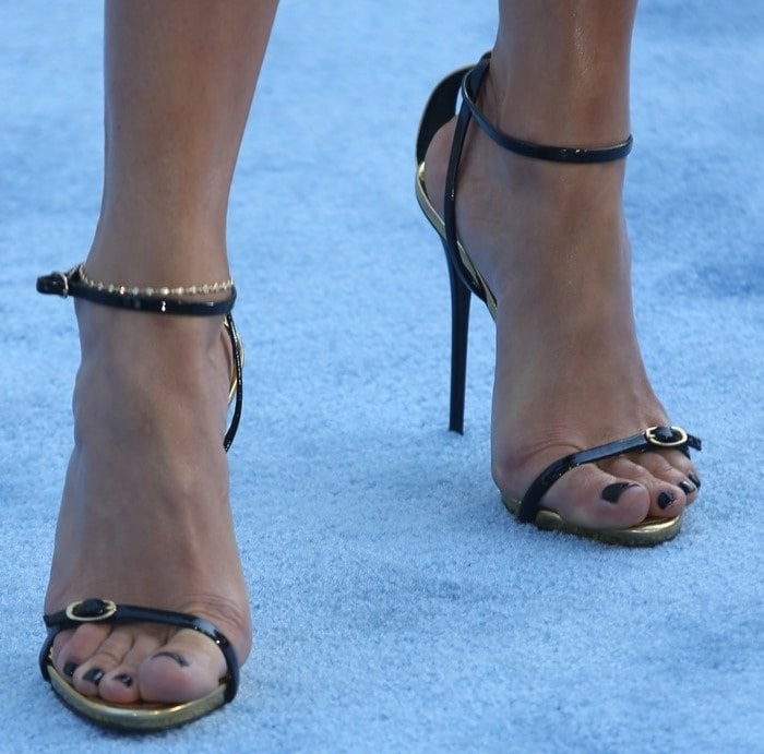 Jennifer Lopez's sexy toes in ankle-strap sandals from Giuseppe Zanotti