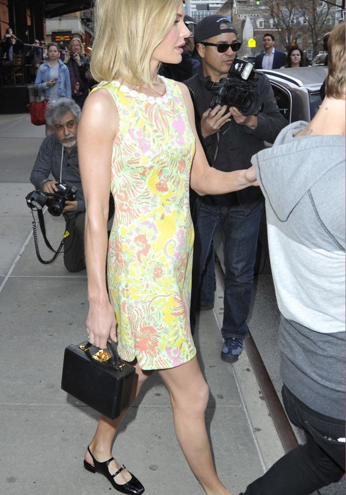 Kate Bosworth flaunting her toned legs while leaving her hotel