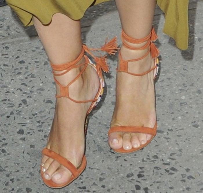 Kim Kardashian's sexy feet in Etro sandals