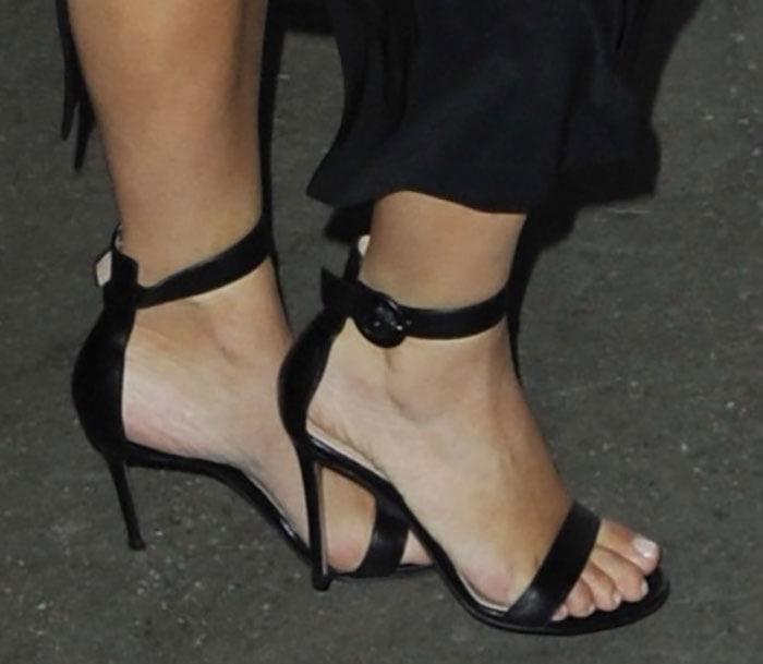 Kim-Kardashian-in-Gianvito-Rossi-Ankle-Strap-Sandals-1