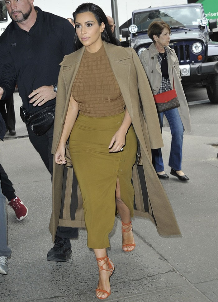Kim Kardashian flaunts her famous curves in New York