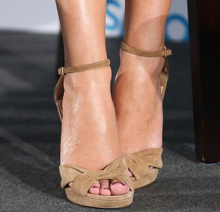 Kylie Minogue's sexy feet in Jimmy Choo suede sandals