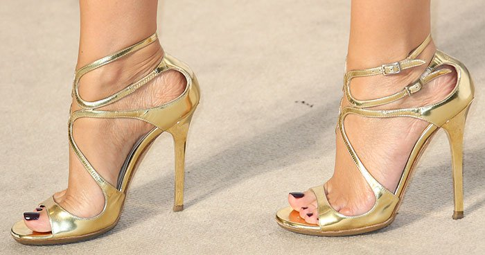 Kylie-Minogue-in-gold-Jimmy-Choo-Lance-Sandals