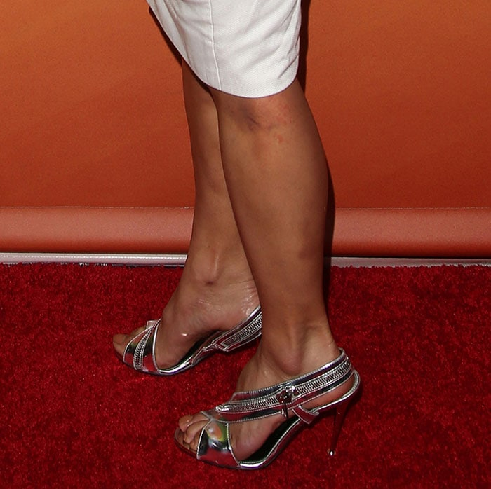 Nicole Scherzinger paraded her hot legs on the red carpet