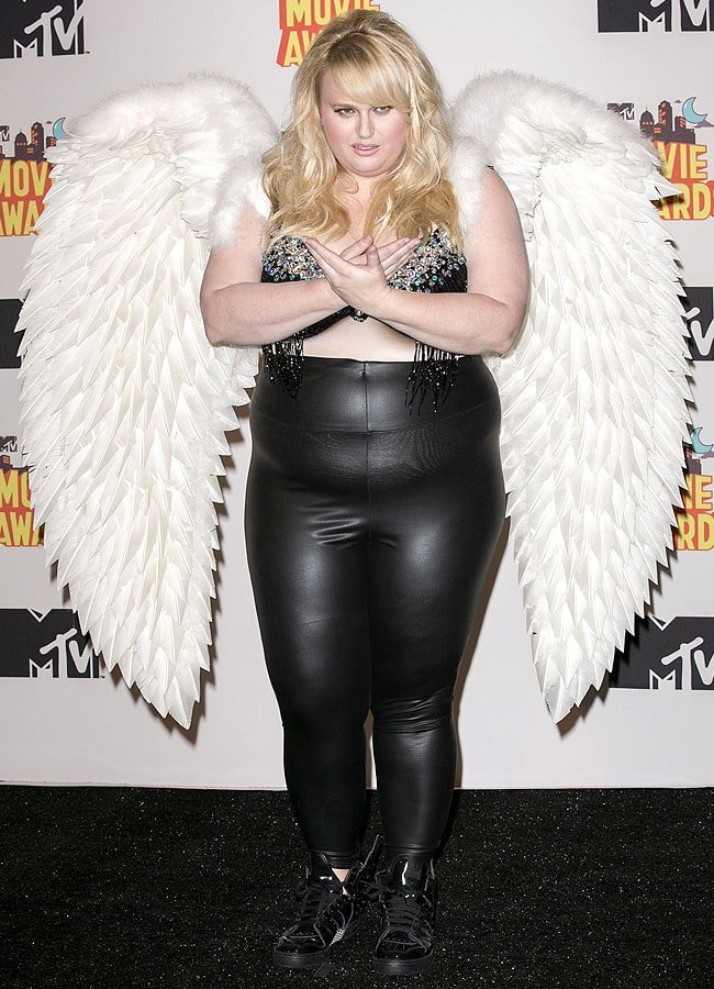 Rebel Wilson inside the press room at the 2015 MTV Movie Awards