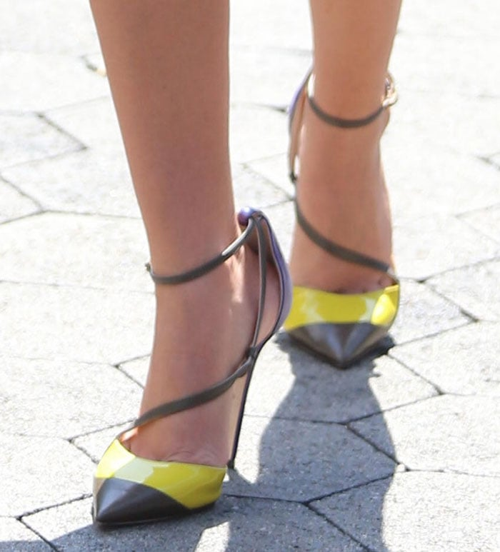 Sarah Hyland Wows in Stuart Weitzman Myex Sandals