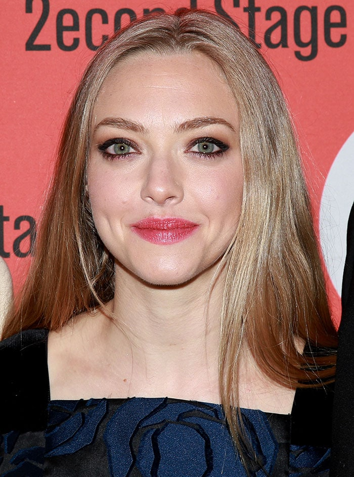 Amanda Seyfried styled her hair down and straight
