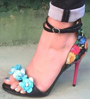 Chinese Laundry Lullaby Sandals Floral