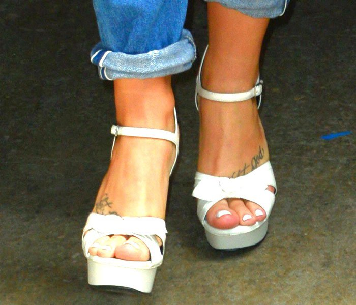 Demi Lovato's sexy toes in Saint Laurent sandals