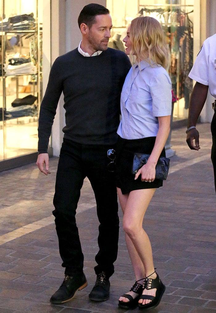 Kate-Bosworth-black-mini-skirt-blue-shirt