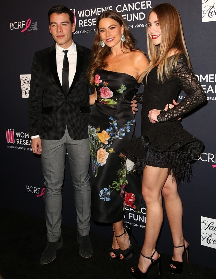 "Manolo Gonzalez Vergara, Sofia Vergara, and Claudia Vergara attend WCRF's ""An Unforgettable Evening"""