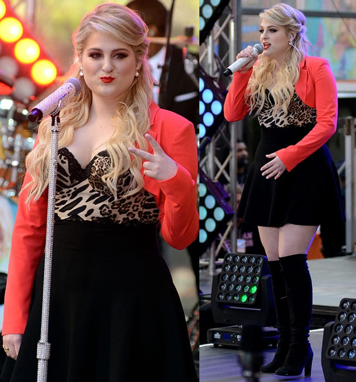 Meghan Trainor'smakeup was gorgeous with a smoky eye effect and a red lip shade
