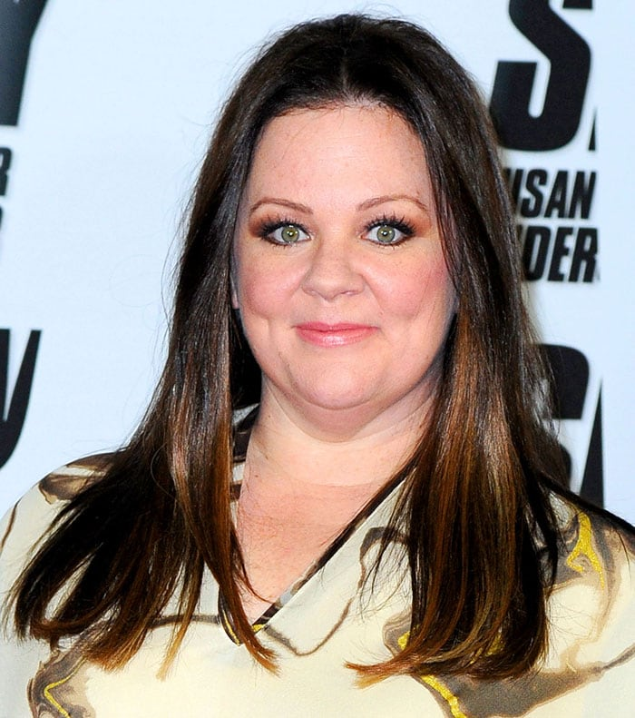 Melissa McCarthy wore her hair down and loose over her shoulders