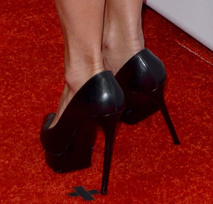 Nicole Scherzinger in Saint Laurent pumps