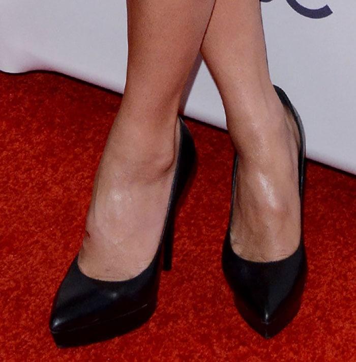 Nicole Scherzinger showed off her pretty feet on the red carpet