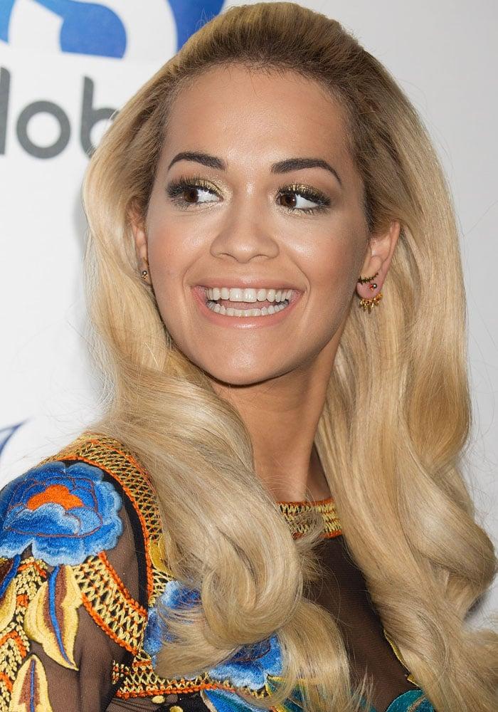 Rita Ora debuted her much longer blonde hair