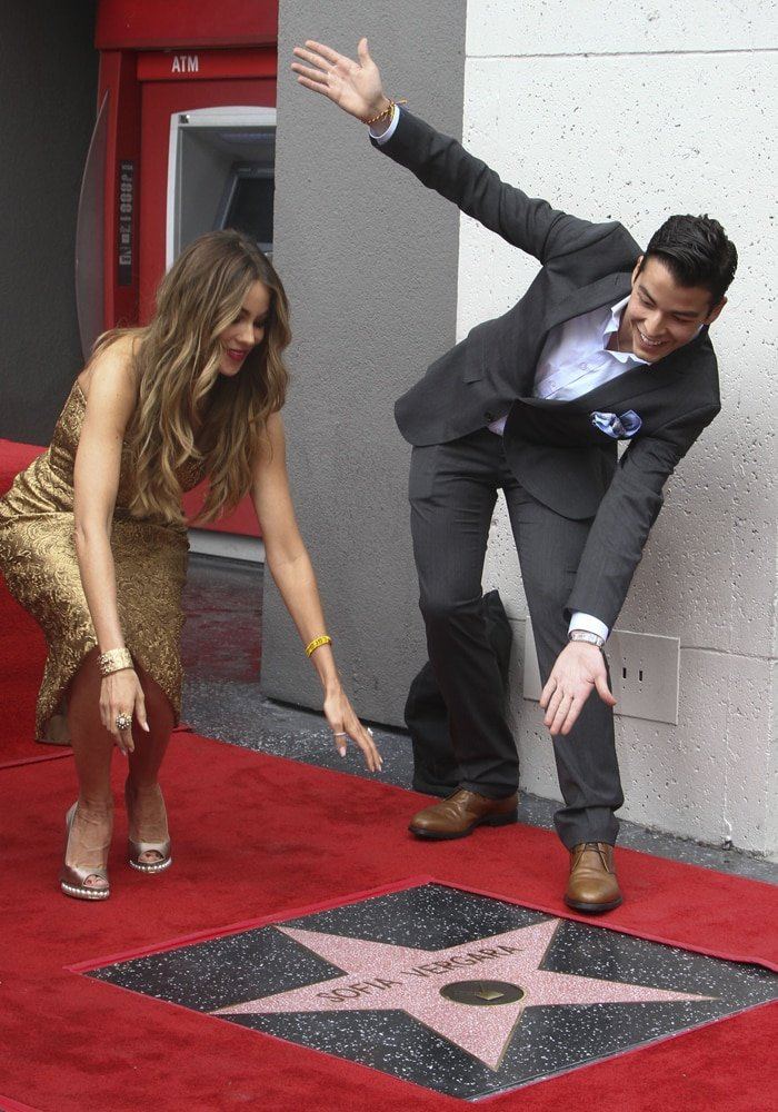 Sofia Vergara and Manolo Gonzalez-Ripoll Vergara celebrate her star on The Hollywood Walk of Fame