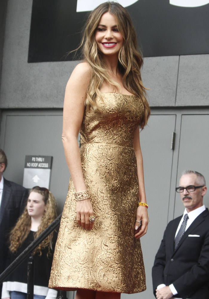 Sofia Vergara was a golden girl in a dress by Romona Keveza