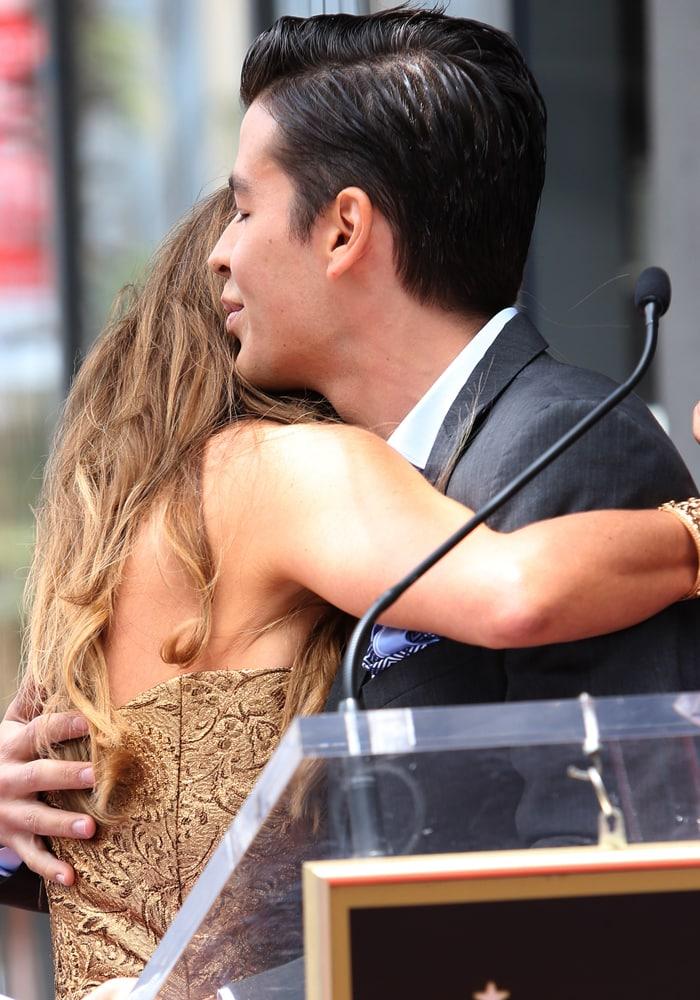 Manolo Gonzalez-Ripoll Vergara gives Sofia Vergara a loving hug