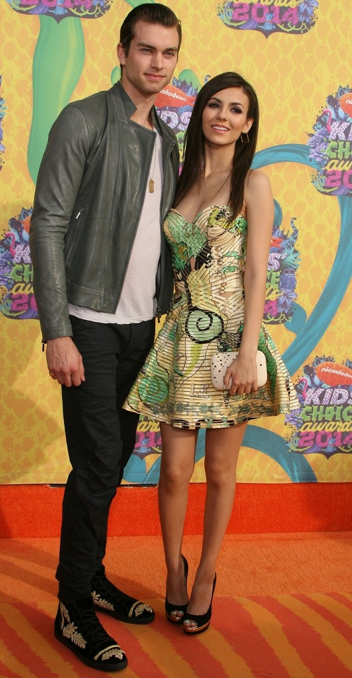 Victoria Justice and Pierson Fode at the 2014 Kids' Choice Awards