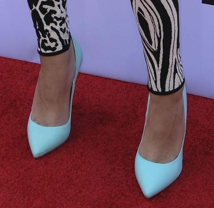Zendaya shows off her feet in turquoise Manolo Blahnik pumps