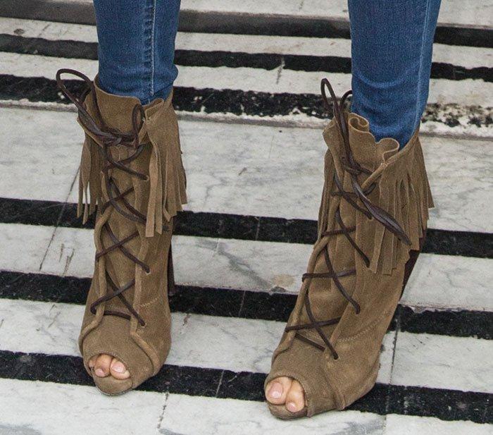 Alesha-Dixon-in-Giuseppe-Zanotti-fringe-boots