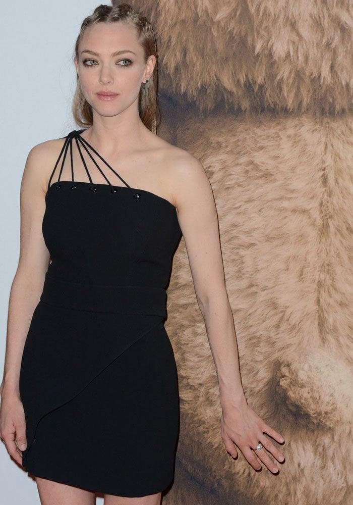 Amanda Seyfried Louboutin Ted 2 4