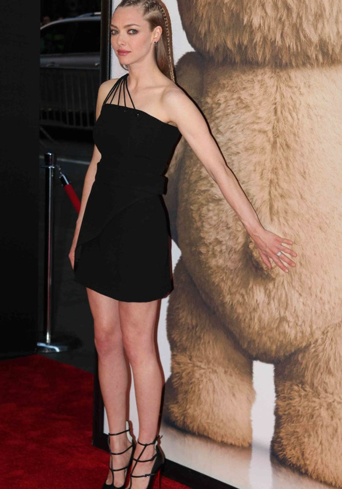 Amanda Seyfried Louboutin Ted 2 9
