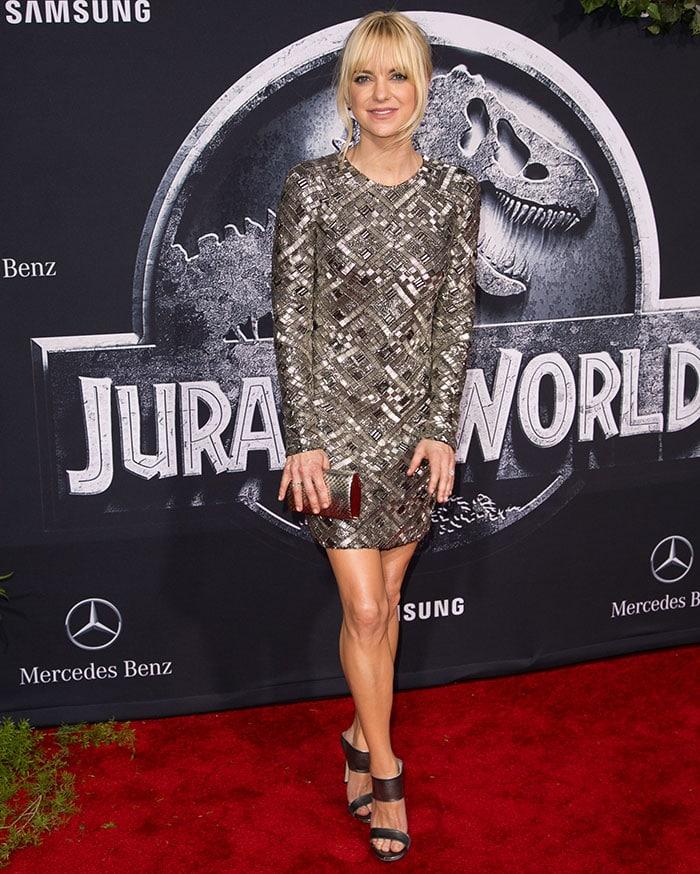 Anna Faris shimmered in a fashion-forward Rubin Singer mini dress