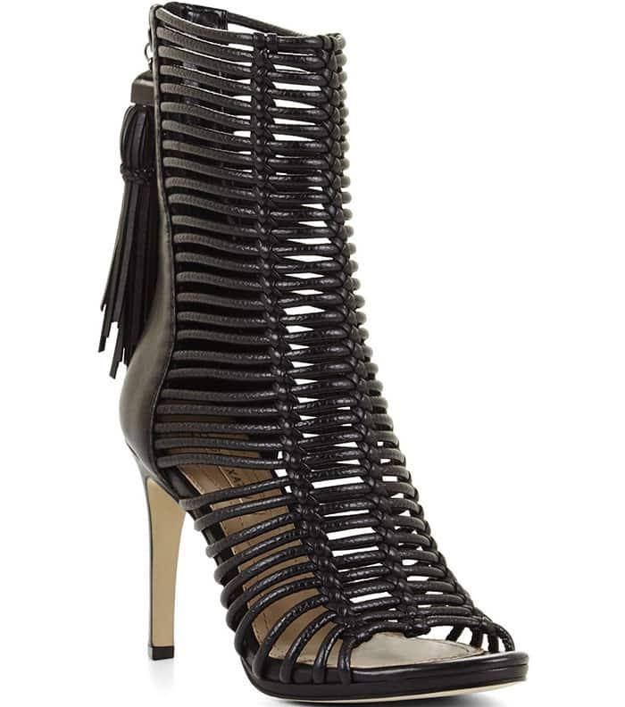 BCBGMaxazria-Ledder-Strappy-Sandals